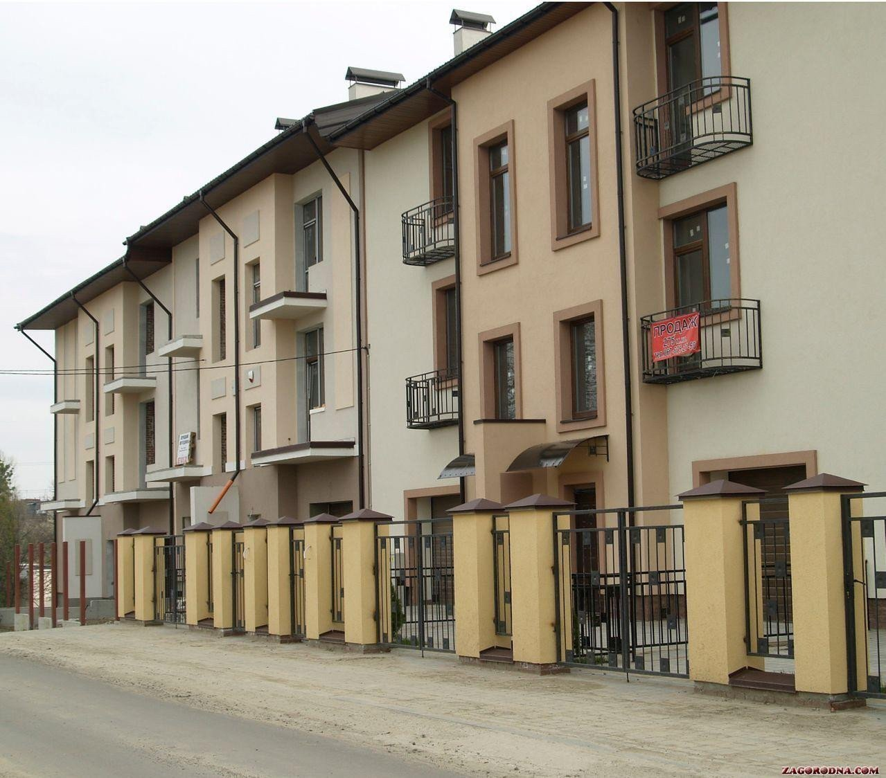 Buy a cottage town Townhouses on Yaneva