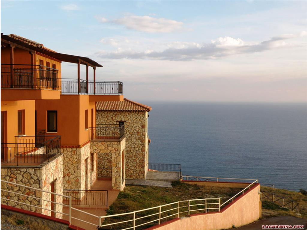 Sale property abroad Cottages and Villas in Kassandra