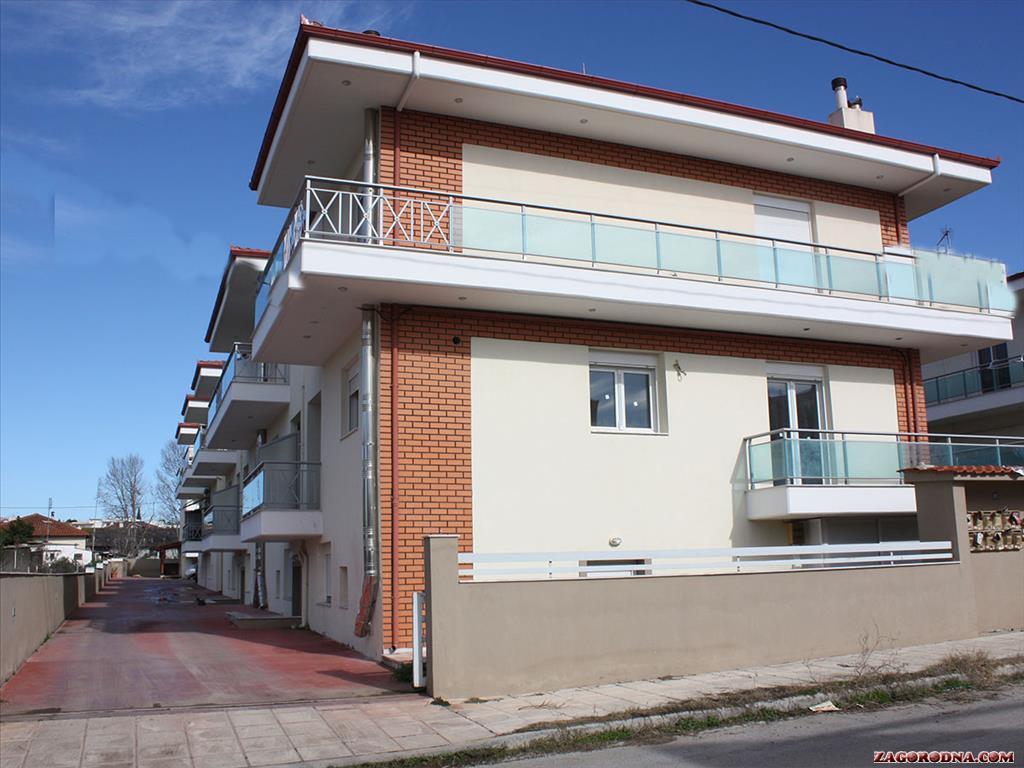 Продам недвижимость за рубежом Таунхаусы в пригороде Салоник