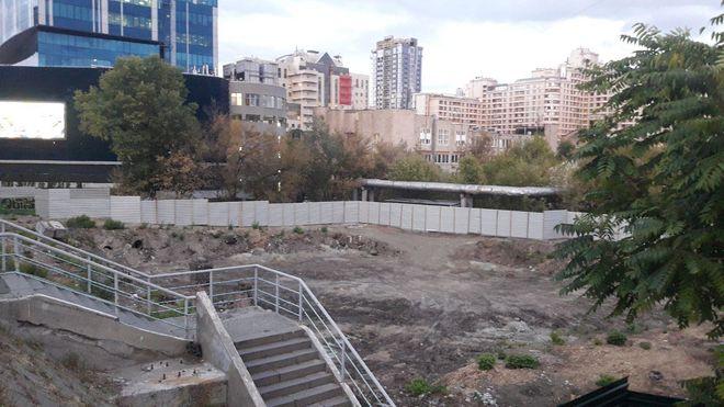 У центрі Києва побудують «гараж» висотою в 100 метрів