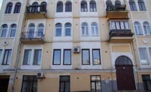 Картинка: Власників квартир на Андріївському узвозі змусять прибрати антени