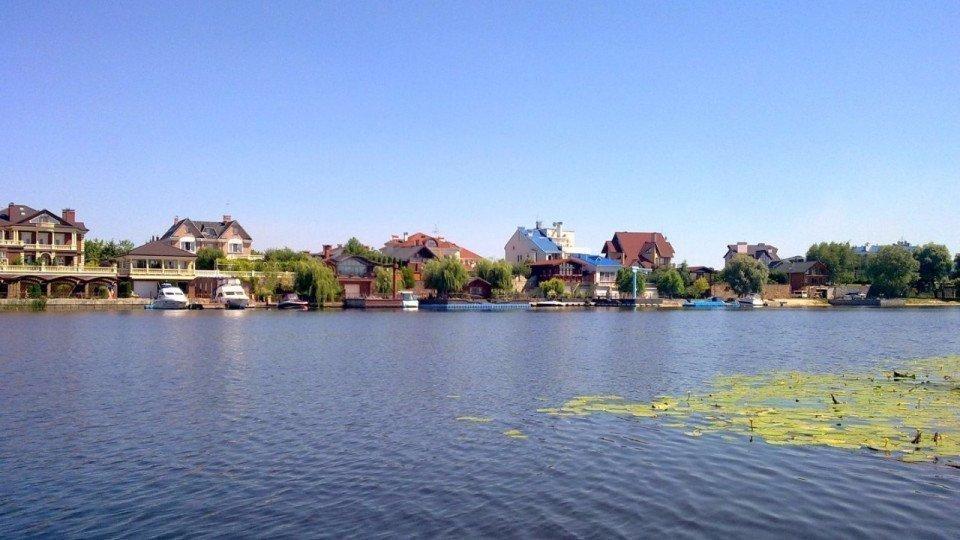 Картинка: Найбільшим попитом у орендарів користуються будинки в межах Києва
