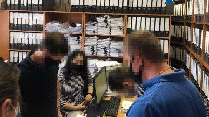 Картинка: СБУ провела обшуки у Дніпрі через незаконну роздачу землі на 1,5 мільярда