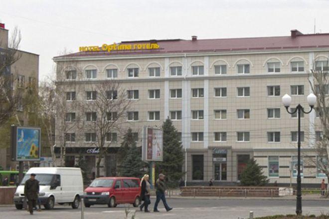 Приватбанк выставил на торги херсонские офисы и отель за 52 млн грн картинка
