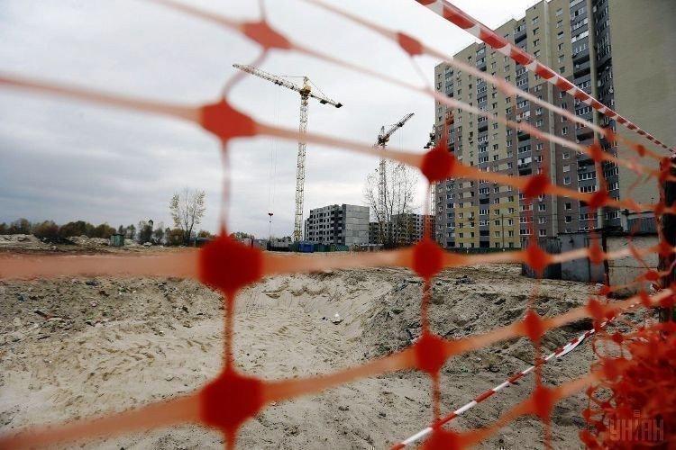 Картинка: Будівельники на роздоріжжі. Що зробить держава?