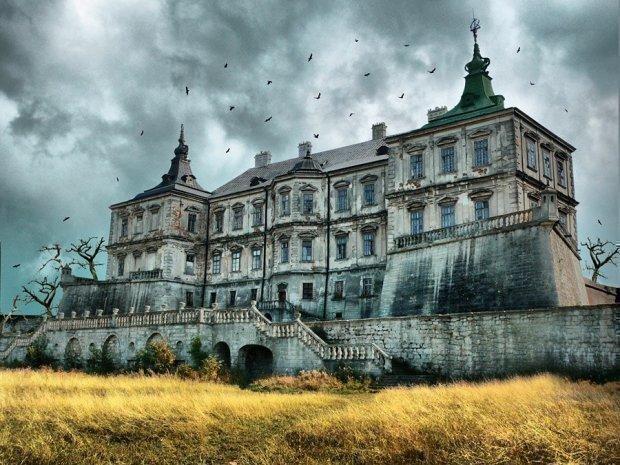 Містичні замки і покинуті будинки в Україні