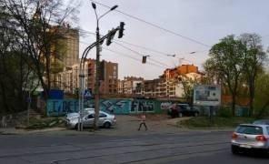 Картинка: В центре Киева уничтожили сквер