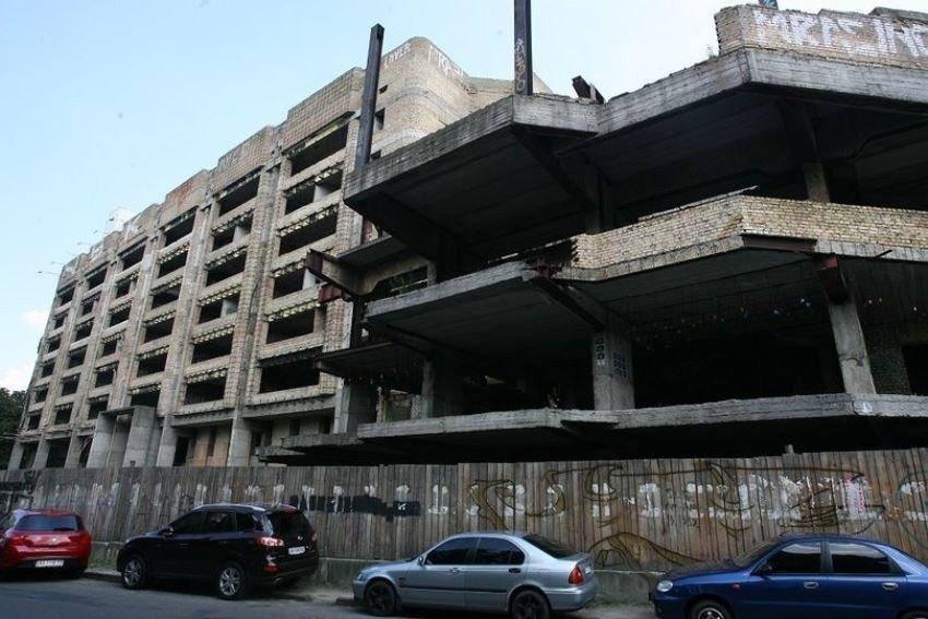 Картинка: Ізраїльський забудовник запропонував добудувати скандальний довгобуд у Києві