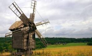 Картинка: Землю біля музею Пирогово хочуть забрати у забудовника