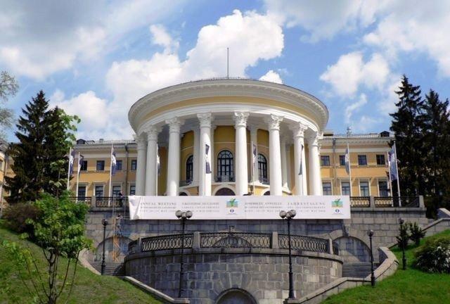 Суд арестовал ряд объектов недвижимости в Киеве и регионах картинка