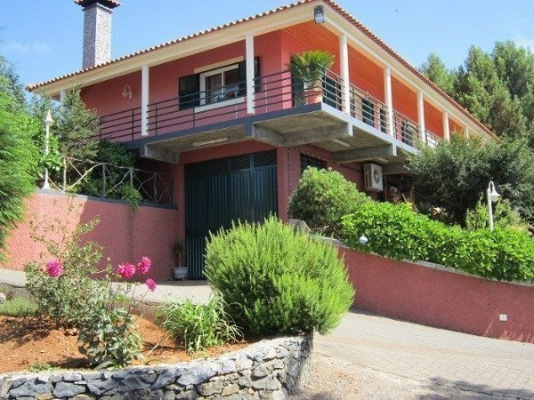 Sale property abroad Luxury house with ocean view on about. Madeira