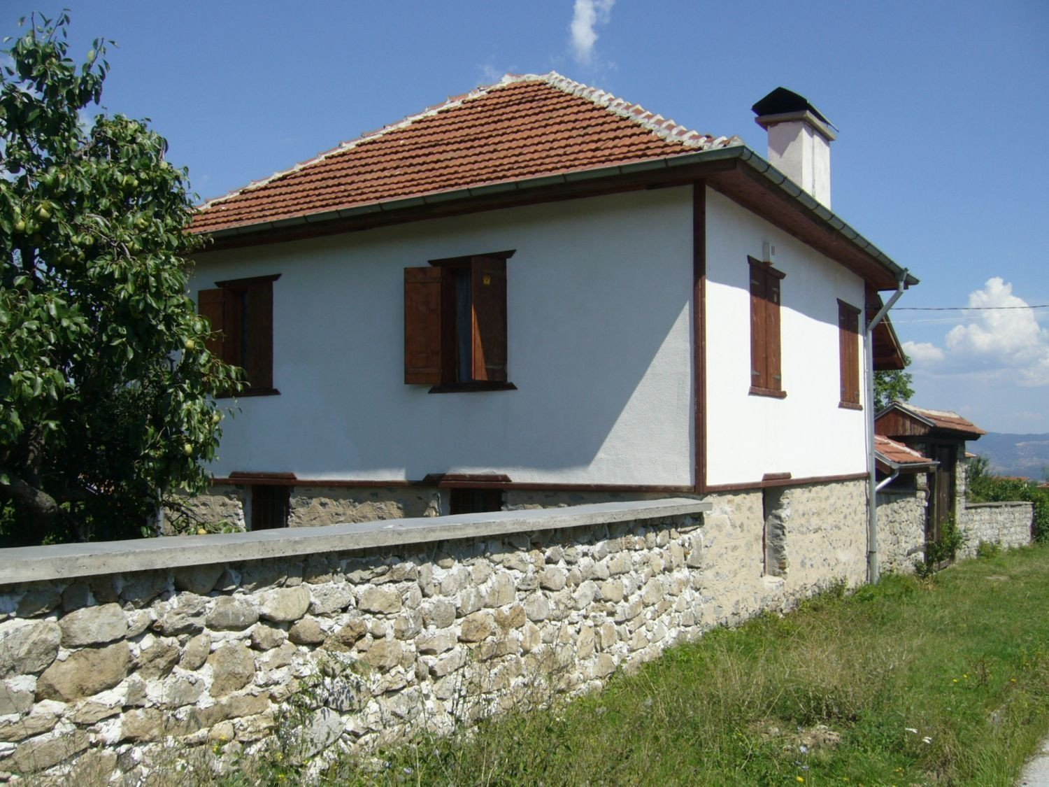 Sale property abroad House in Kostence