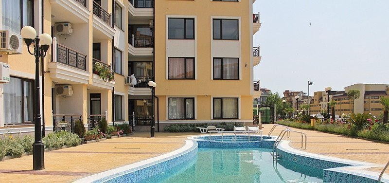 Sale property abroad Apartments in Saint Vlas
