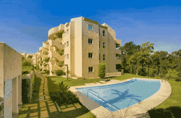 Sale property abroad Apartments in Elviria