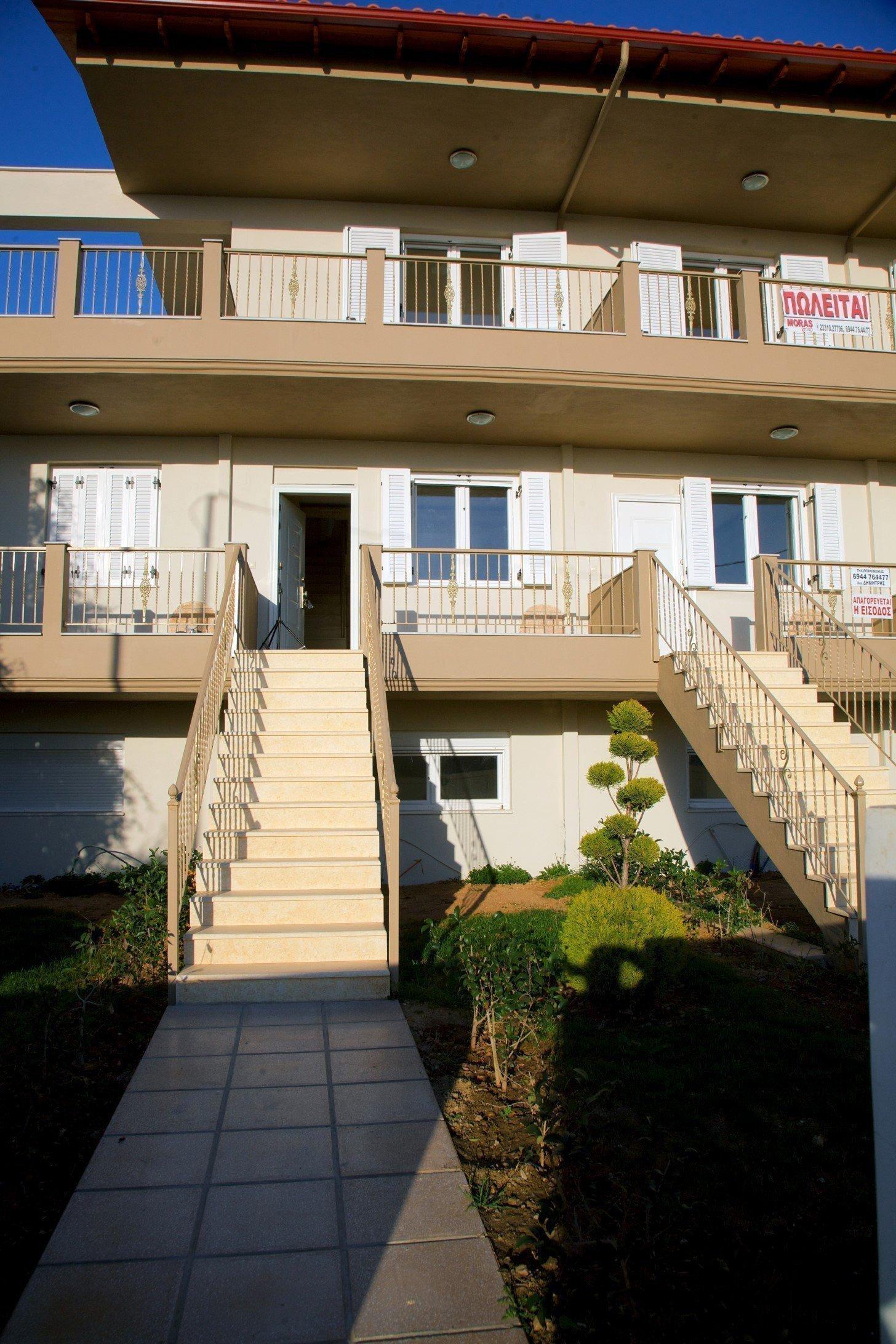 Продам недвижимость за рубежом Современная двухуровневая квартира на п-ове Ситония