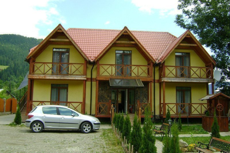 Фото: Продам апартаменты в городе Верховина. Объявление № 5447