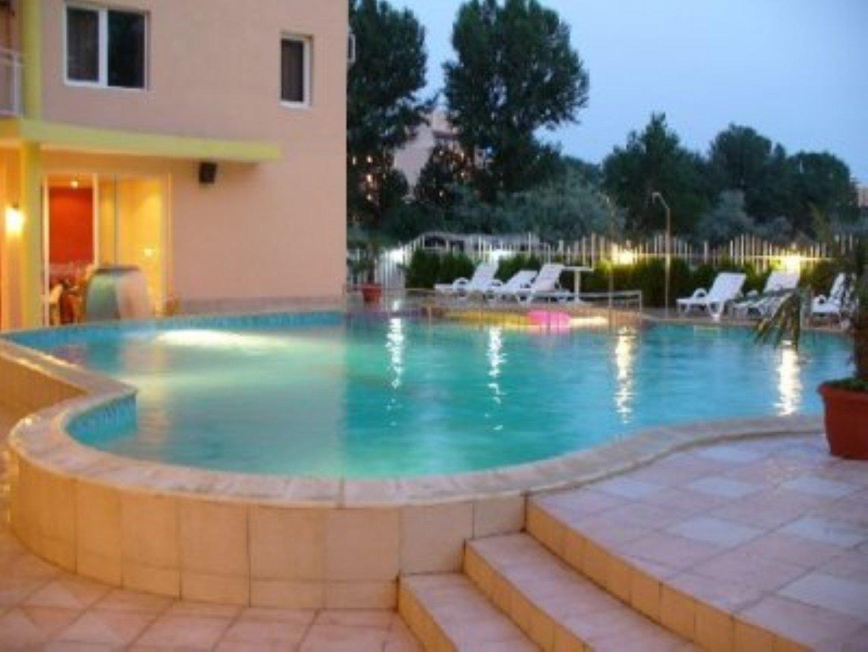 Продам нерухомість за кордоном Апартаменти в Bahami - Сонячний берег