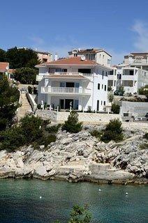 Sale property abroad Вілла з басейном, на березі моря