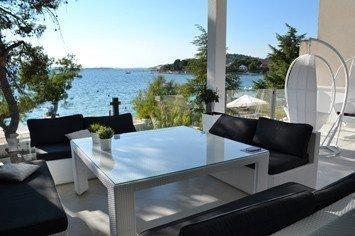 Продам нерухомість за кордоном Вілла на березі моря