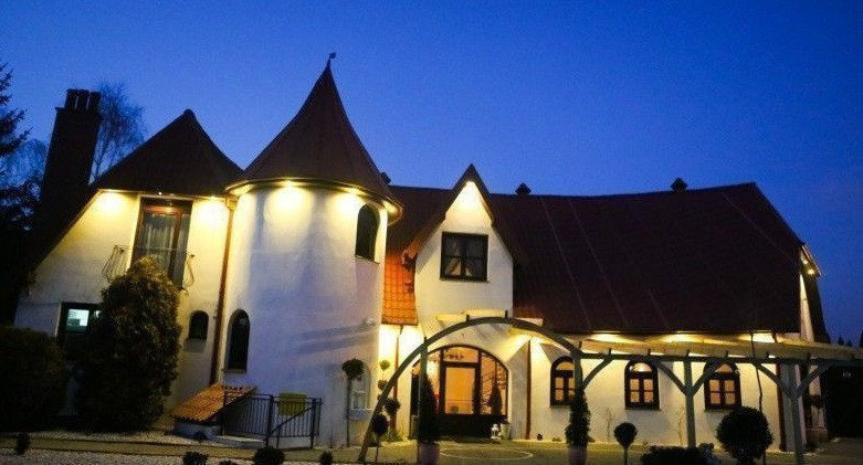 Rent property abroad (2)Італійсько-польська реставрація «Valentino» здається в оренду