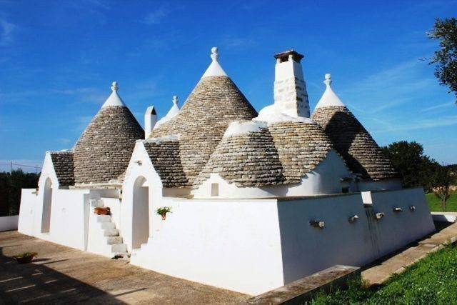 Sale property abroad Homestead for sale in Ostuni