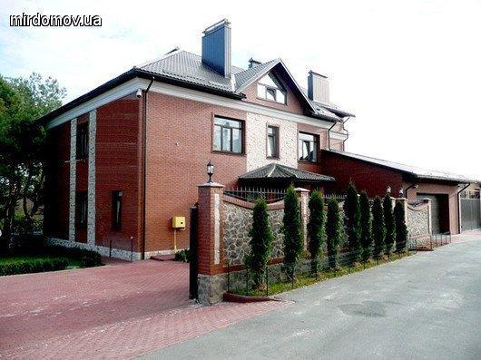 Фото: Продам коттедж в городе Лесники. Объявление № 3976