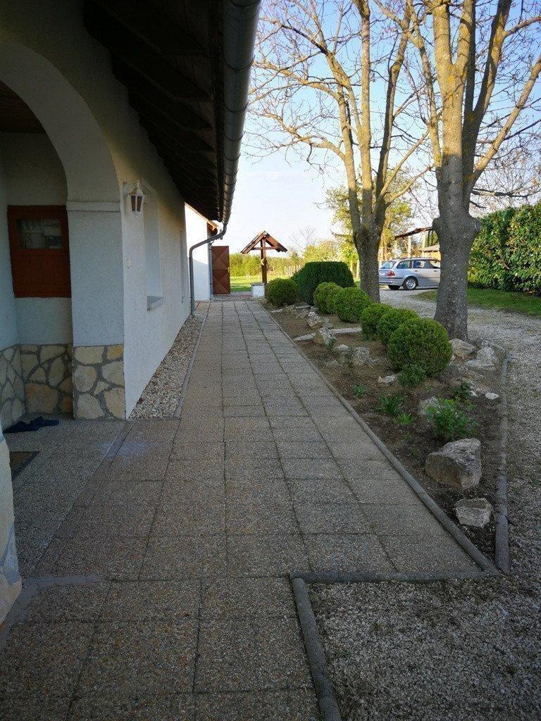 Sale property abroad Selling cottage near Bukfurdo (Western Hungary)