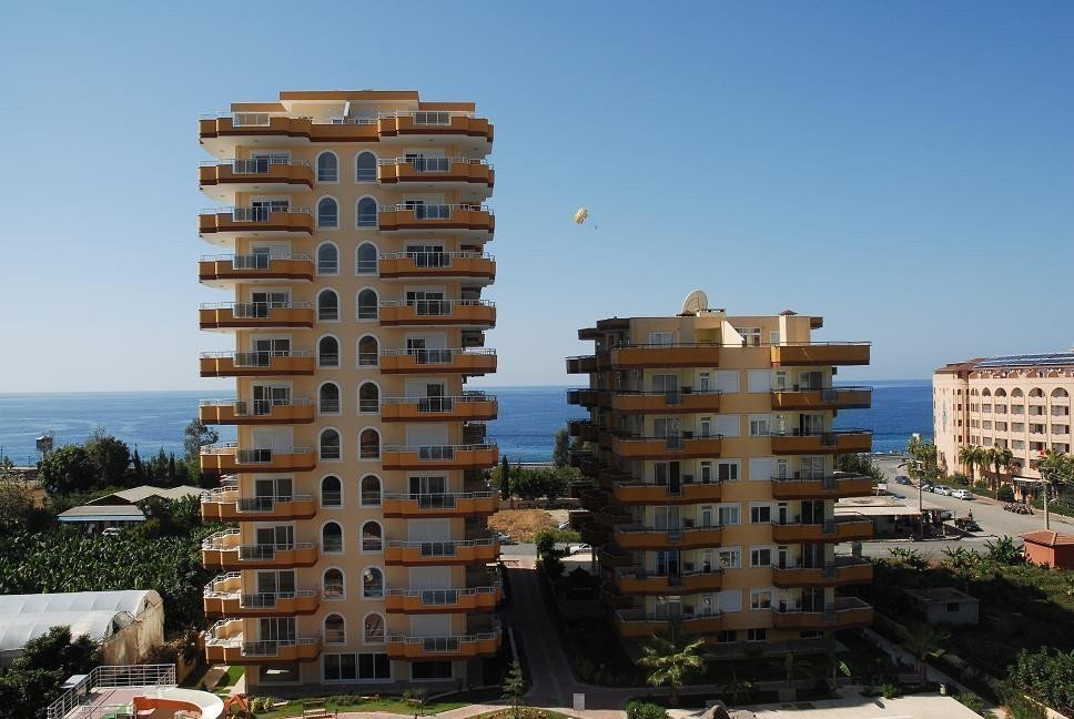 Sale property abroad Penthouse 3 + 1 on the first line with a sea view